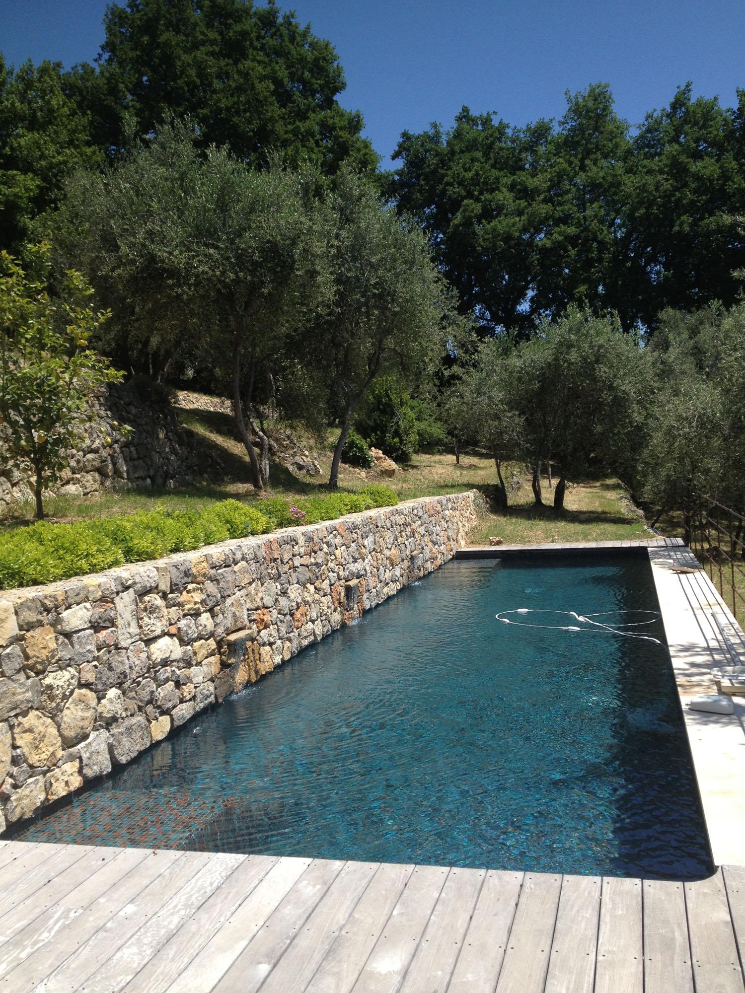 faire construire une piscine interieure. Black Bedroom Furniture Sets. Home Design Ideas