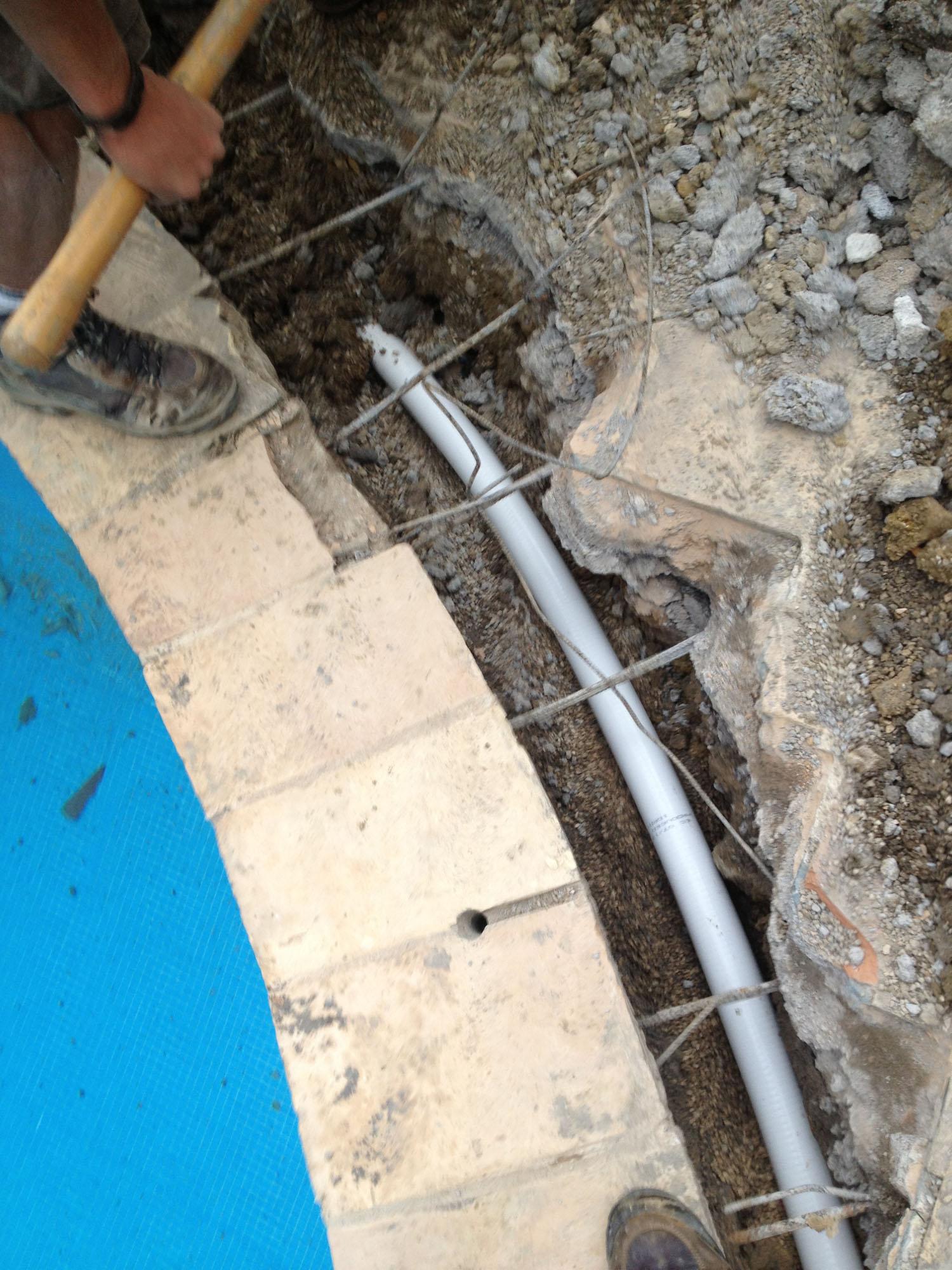 R novation plomberie remplacement skimmer et - Chauffer sa piscine avec tuyau noir ...